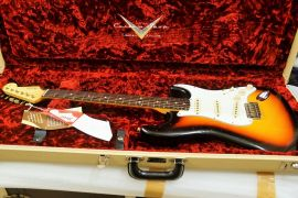 Fender Custom Shop Duo Tone Limited Edition Relic Strat
